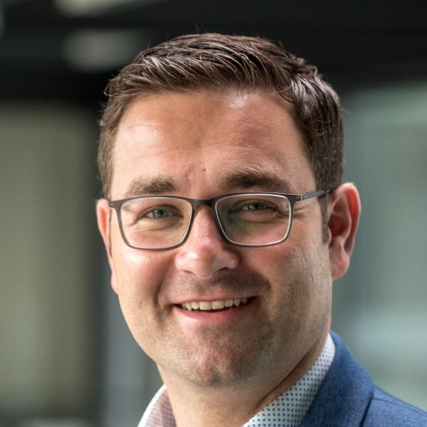Prof. Dr. Jens Pöppelbuß